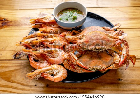 Steamed shrimp,Steamed crab,Steamed shrimp and crab with dipping sauce #1554416990