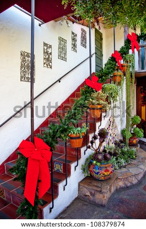 Steps And Stairs Christmas Wreath Decorations Red Ribbons Cactus ...