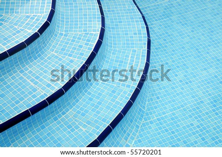 Steps into swimming pool