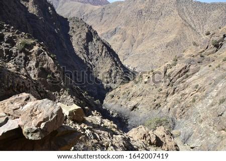 Sti Fadma, aussi appelée Setti-Fatma2, est une commune rurale de la province d'Al Haouz, dans la région de Marrakech-Safi, au Maroc. Elle ne dispose pas de centre urbain mais a pour chef-lieu un villa