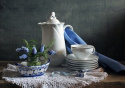Still life with porcelain
