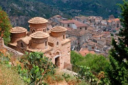 Stilo, district of Reggio Calabria, Calabria, Italy, in the foreground the Catholic, Byzantine temple in the background the village