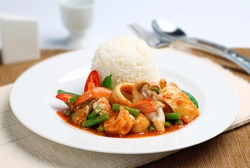 Stir-fried seafood with chili paste