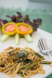 Stir-fried spicy spaghetti, also known as drunken spaghetti or P