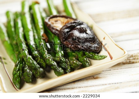 Stir fry asparagus with garlic and shiitake mushroom