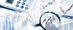 Stock Quotes as graphs and tables with magnifier and calculator in panoramic format