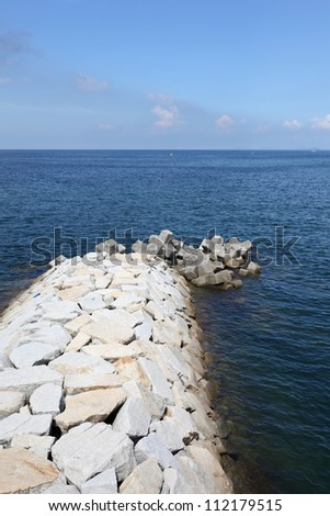 Stone breakwater for protection of coast ?