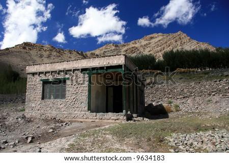 Stone Hut / Building, Mountain Climb- Stok Kangri (6,150m / 20,080ft), India