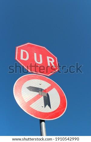 Stop sign symbol. traffic sign. left turn prohibited. Stop.  trafik levhası. dur sola dönüş yasak Stok fotoğraf ©