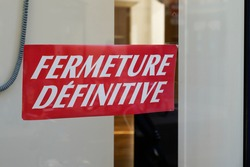 store information on closed boutique windows in french fermeture definitive means final closure