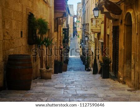 Strait Street in Valletta, Malta Stockfoto ©
