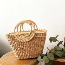 Straw basket bag rattan holder dry water hyacinth woven bag natural material eco friendly product beach women accessories botanical summer weave picnic bag, product from nature, handmade accessories