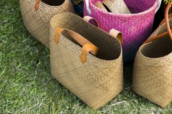 Straw shopping bags different size.