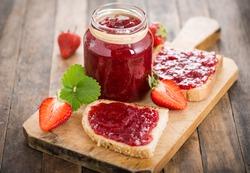 Strawberry jam on the bread