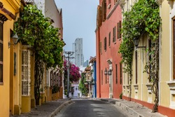 Street in the San Diego neighborhood, have a vintage colonial architecture of antique houses who are hotels and restaurant in the present, this loneliness is for quarantine covid-19