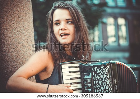 street musicians , accordion , Amsterdam