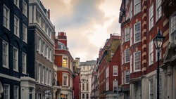 Street of upmarket London townhouse properties