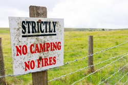 Strictly No Camping, No Fires warning sign on the Pennine way