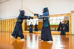 Struggle with the Kendo Sword School, training, men and children