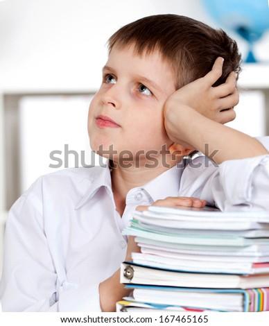 student preparing for a literature class
