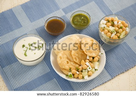 Stuffed panipuri with curd or chaat