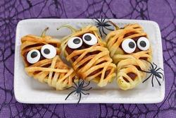 Stuffed peppers look like a mummies for Halloween
