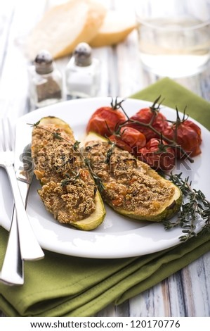 Stuffed zucchini with amaranth grain and vegetables