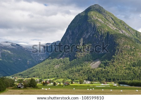 Stunning Norwegian mountain landscape