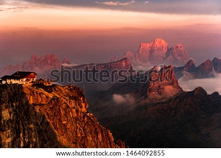 stunning sunset with Rifugio Lagazuoi (Italy) in the left. After a thunderstorm the peaks lit up at sunset Foto d'archivio ©