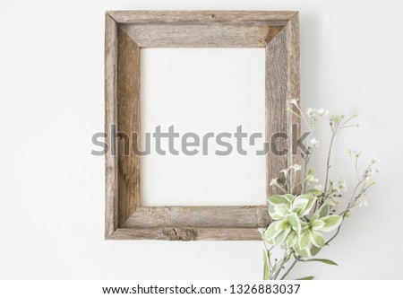 Styled Stock Photography 'Chelle', Mockup-Digital File, Brown Wood Frame with Flower Decor Mock Up Photo stock ©