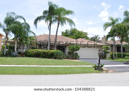Suburban Tropical Climate Ranch Style Home Front Yard Mailbox curbside