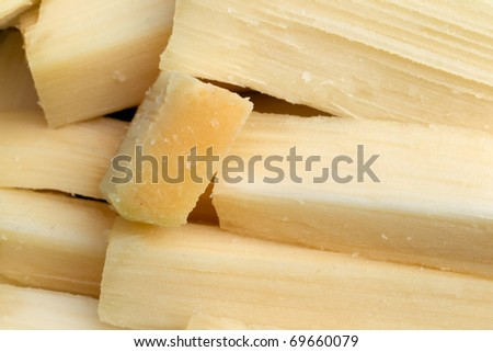 sugarcane pieces ready to be chewed