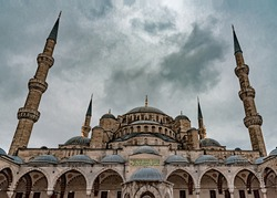Sultan Ahmet Mosque in Istanbul, Turkey on a cloudy day.