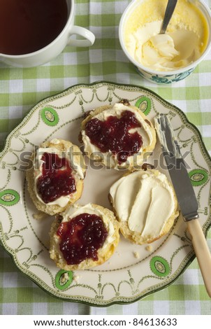 Sultana scones with clotted cream and jam