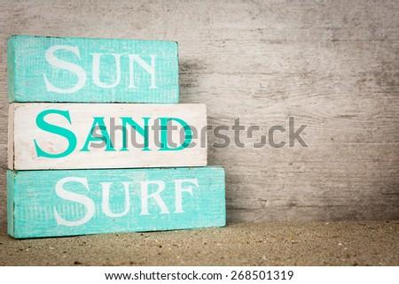 Summer beach wooden blocks decor