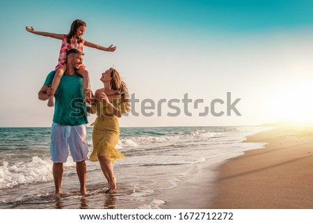 summer family travel to the beach