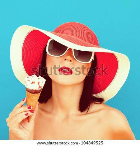 Summer Girl with ice cream