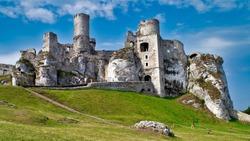 Summer ogrodzieniec castle
