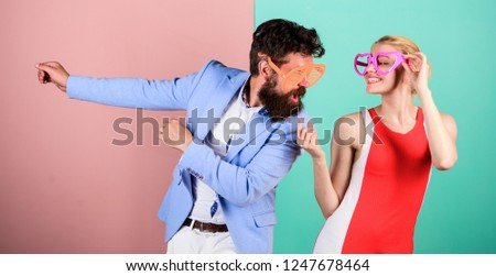 Summer vacation and fashion. Frienship of happy man and woman. Hipster. Couple in love. Relations. Office party. Best friends. Happy couple in party glasses. Going crazy. Shell we dance.