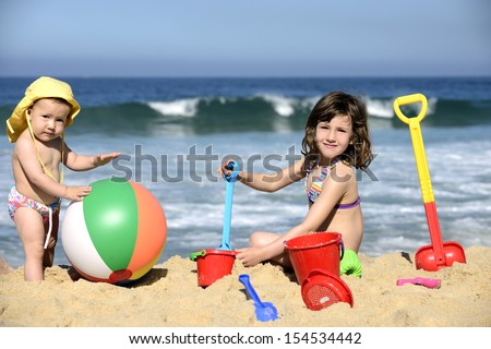CHILDREN FAMILY BEACH