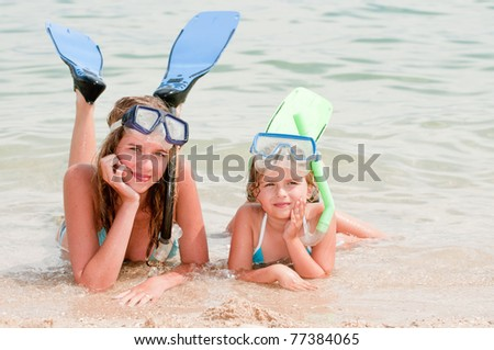 Summer vacation - snorkel girls portrait