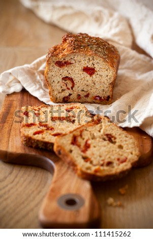 Sun dried tomato and cheese bread