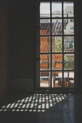 Sun shine through the windown .