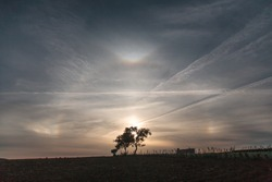 sundogs and 22 degrees halo and tangent arcs
