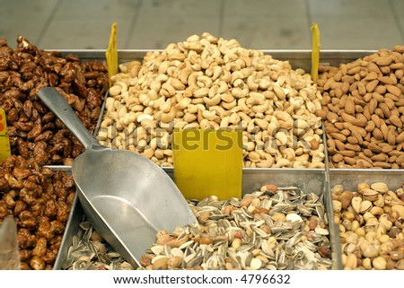 sunflower mix and other nuts in market