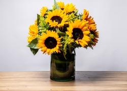 sunflowers flower arrangement for gift