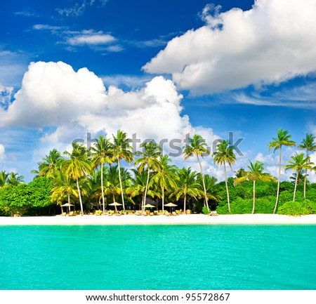 sunny beach landscape with beautiful cloudy blue sky