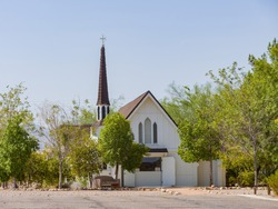 Sunny exterior view of the historical Candlelight Wedding Chapel at Las Vegas, Nevada