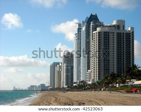 Sunny Isles Beach looking south