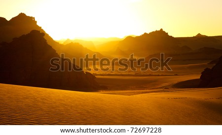 Sunrise - Akakus (Acacus) Mountains, Sahara, Libya - Bizarre sandstone rock formations